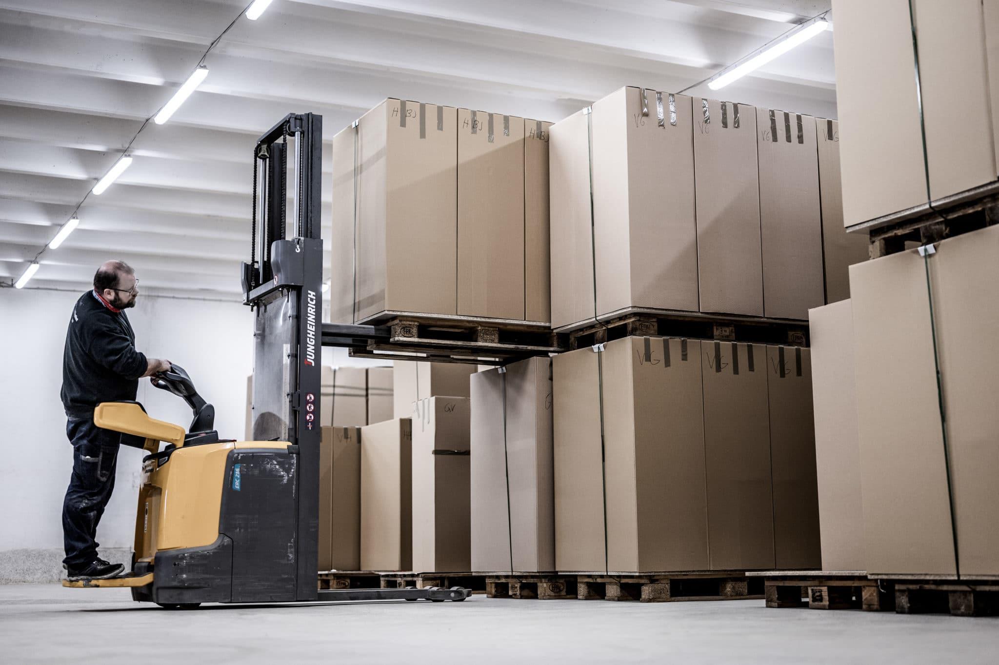 Aarsland møbelfabrikk lager